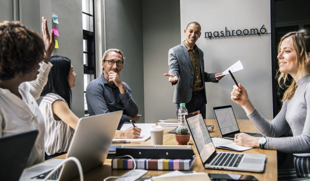 10 Reasons to Hire a Transformational Leadership Expert